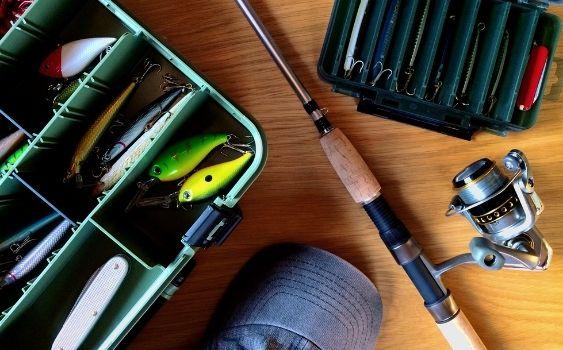 釣り人にとってライフジャケットは一番大事な釣り道具